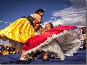 cholitas-luchadoras-2015-cholitas-bolivia-vozbol[4]