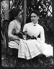 189px-Helen_Keller_with_Anne_Sullivan_in_July_1888