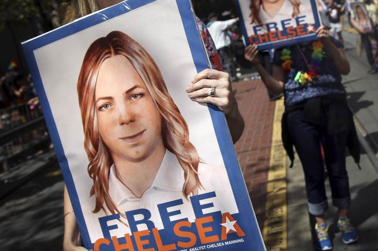 160706-chelsea-manning-mbe-453p_2_925be433f37add41ec66cf0197ed09d0-nbcnews-fp-1200-800